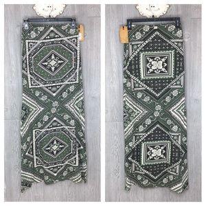 Billabong Maxi Skirt NWT Long Boho Handkerchief S